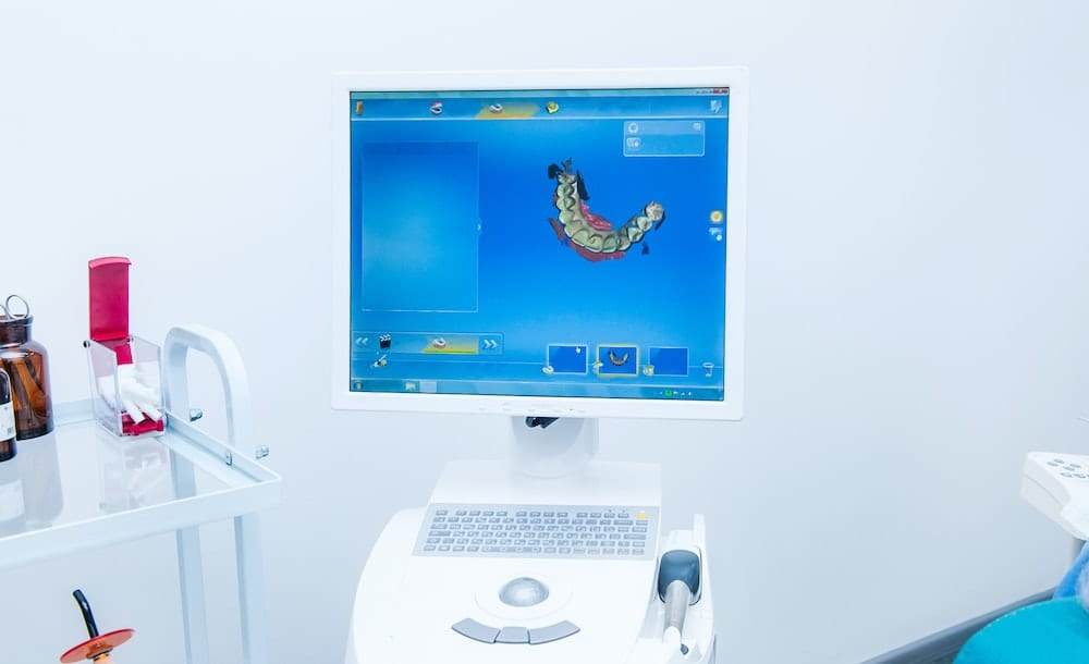Dental restoration process using CAD CAM computer-aided imaging
